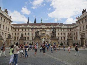 チェコ城 正門