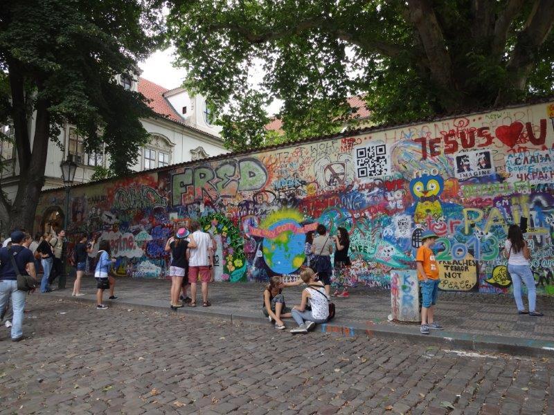ジョンレノンの壁